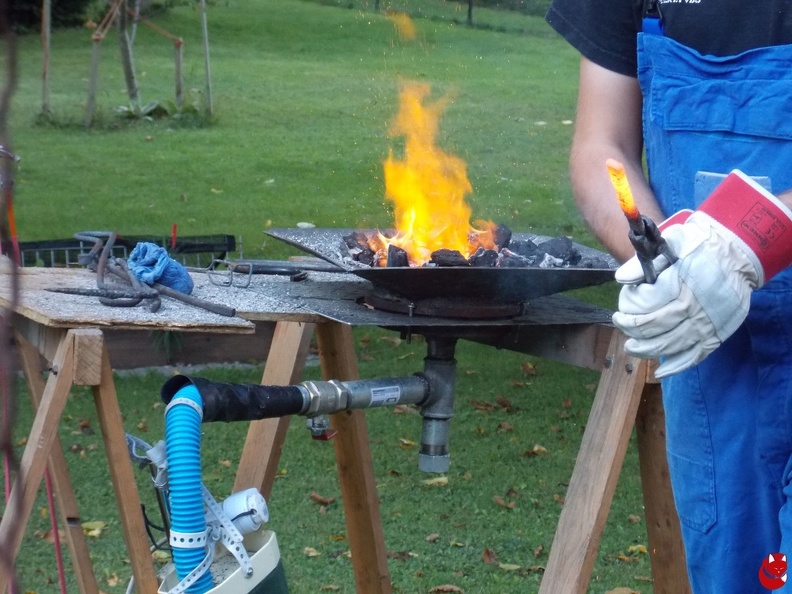 http://bilder.silberquell-larp.de/picture.php?/1294/category/15