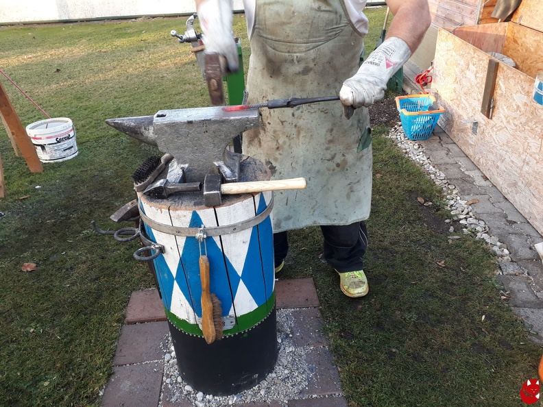 http://bilder.silberquell-larp.de/picture.php?/1403/category/15