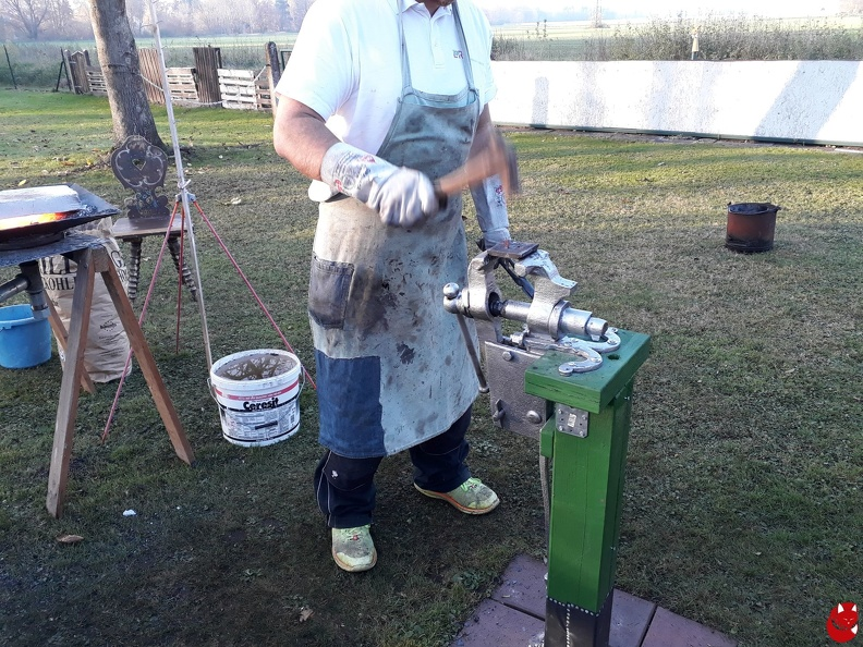 http://bilder.silberquell-larp.de/picture.php?/1422/category/15